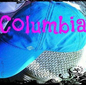 🌼 COLUMBIA BALL CAP 🌼